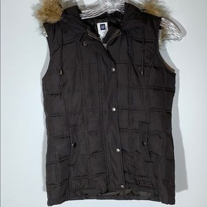 Gap Puffer Vest with Fur Lined Hood (XS)